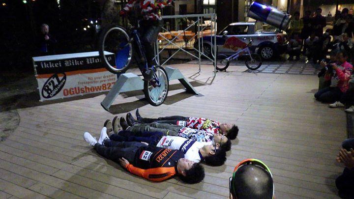 連休中お休みして申し訳ありませんでした、熊本で開催の九州、西日本からのサイクリストやトライアスリートのあるパーティーに招かれ出席してました。
