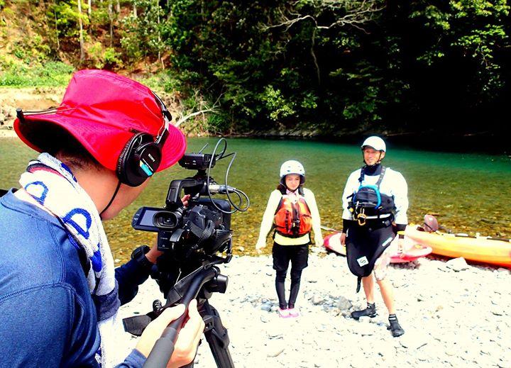 今日はケーブルテレビワイワイさんのノベスタ感動体験、奇跡の清流小川(こがわ)でのカヌー体験ガイドとして同行してきました。